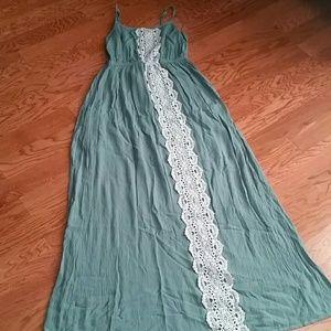 Mossimo Supply Co green maxi dress w/ crochet, S